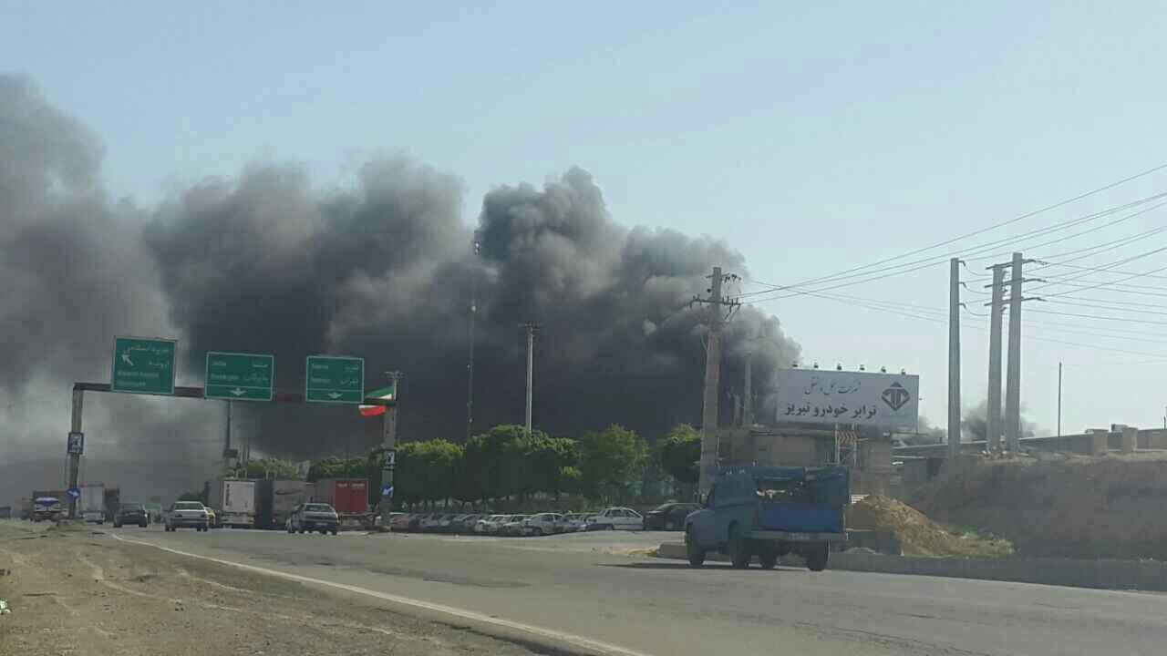 آتش سوزی کارخانه خودرو