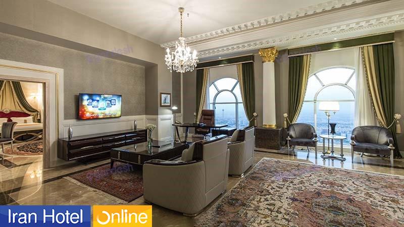 داخل اتاق هتل 5 ستاره اسپیناس پالاس تهران