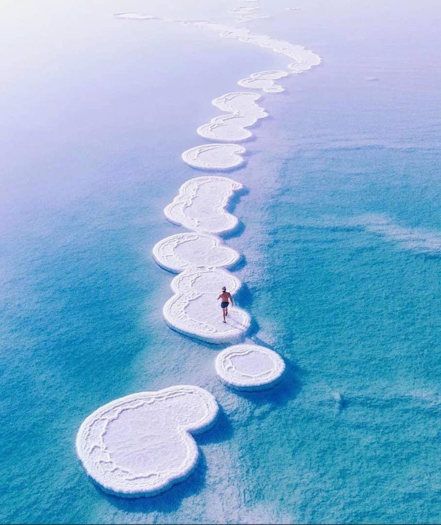 جزیره نمک در دریای بحرالمیت
