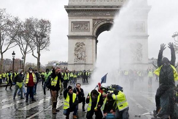 آشوب فرانسه