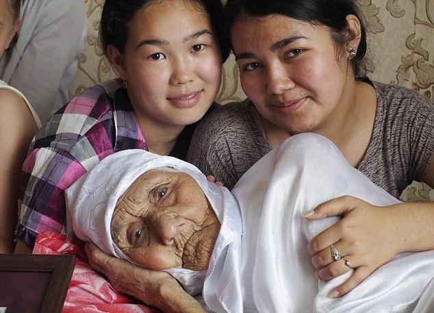 تانزیلیا بیسمبایوا، مسن ترین زن روسـیه