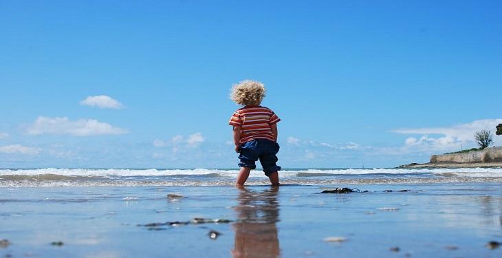 little-boy-in-the-beach