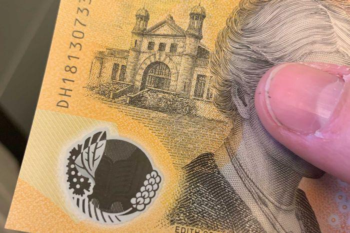 پایگاه خبری آرمان اقتصادی photo_2019-05-09_18-16-05 اشتباه عجیب روی اسکناس جدید استرالیا +عکس