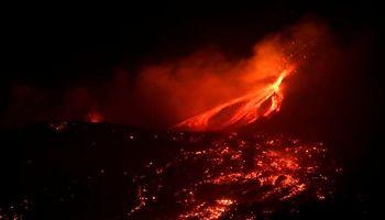 مشهورترین آتشفشان دنیا باز هم فوران کرد +تصاویر