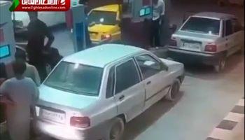 اطفای حریق خودرو در هنگام سوختگیری +فیلم