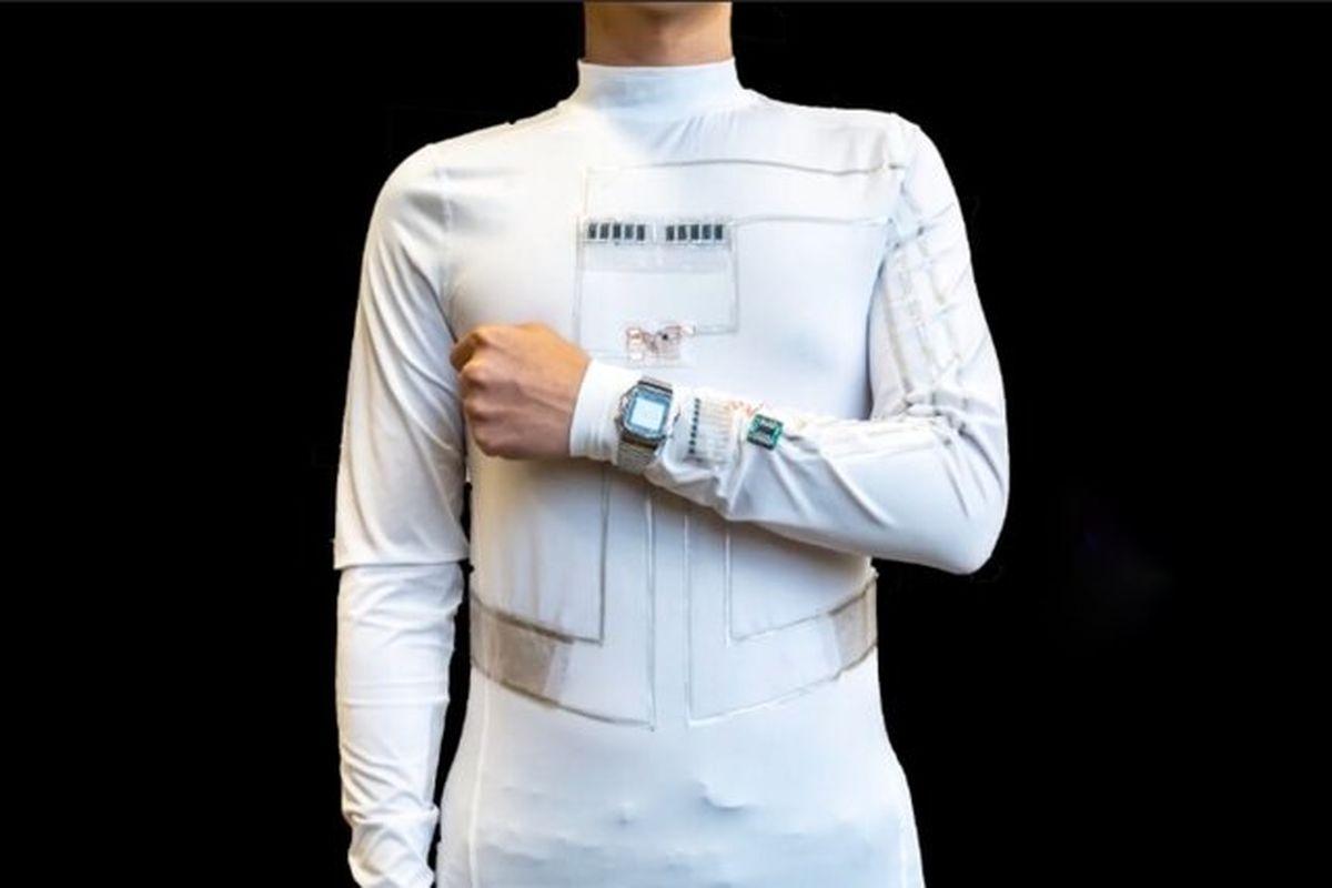 لباس هوشمند که از عرق و حرکت بدن انرژی تولید میکند