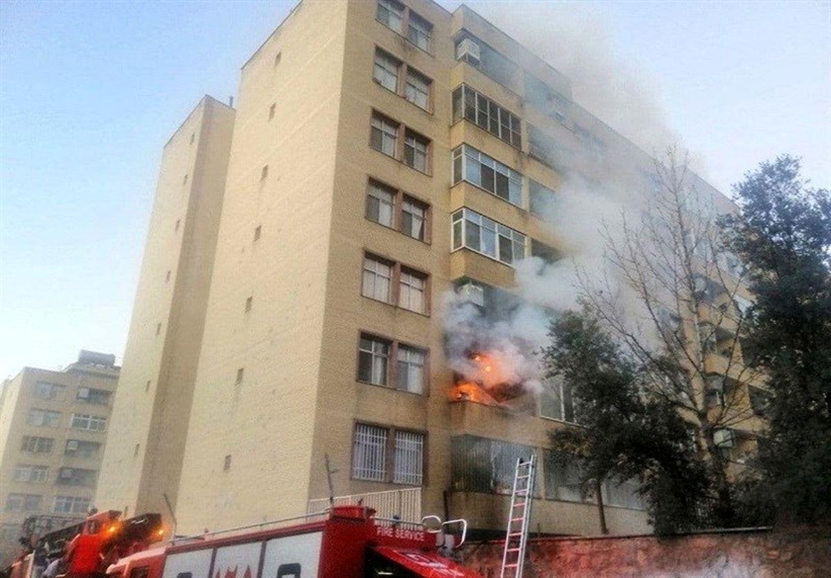 ساختمان ۷طبقه در شرق تهران آتش گرفت +عکس