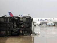 طوفان در فرودگاه آنتالیا +فیلم