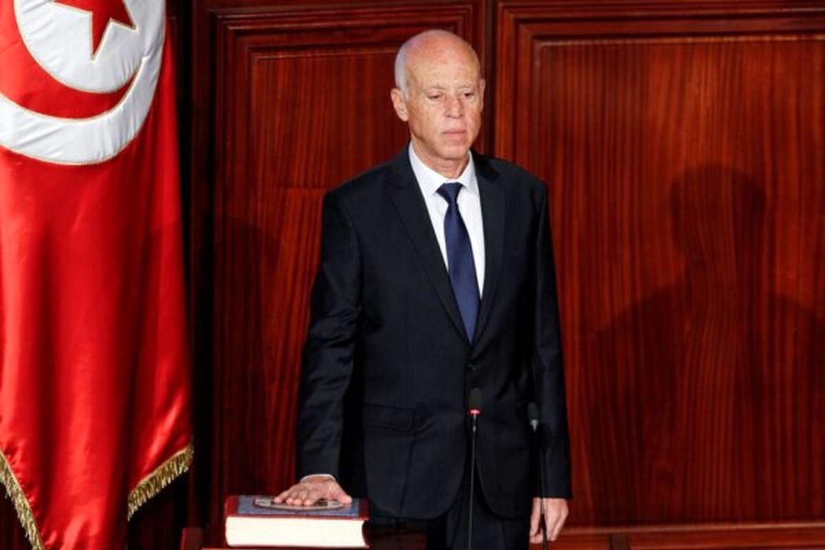 رییس جمهور تونس نخست وزیر را خلع و پارلمان را تعلیق کرد