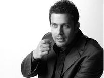 بازیگر مشهور مجبور به عذرخواهی از گلزار شد! +عکس