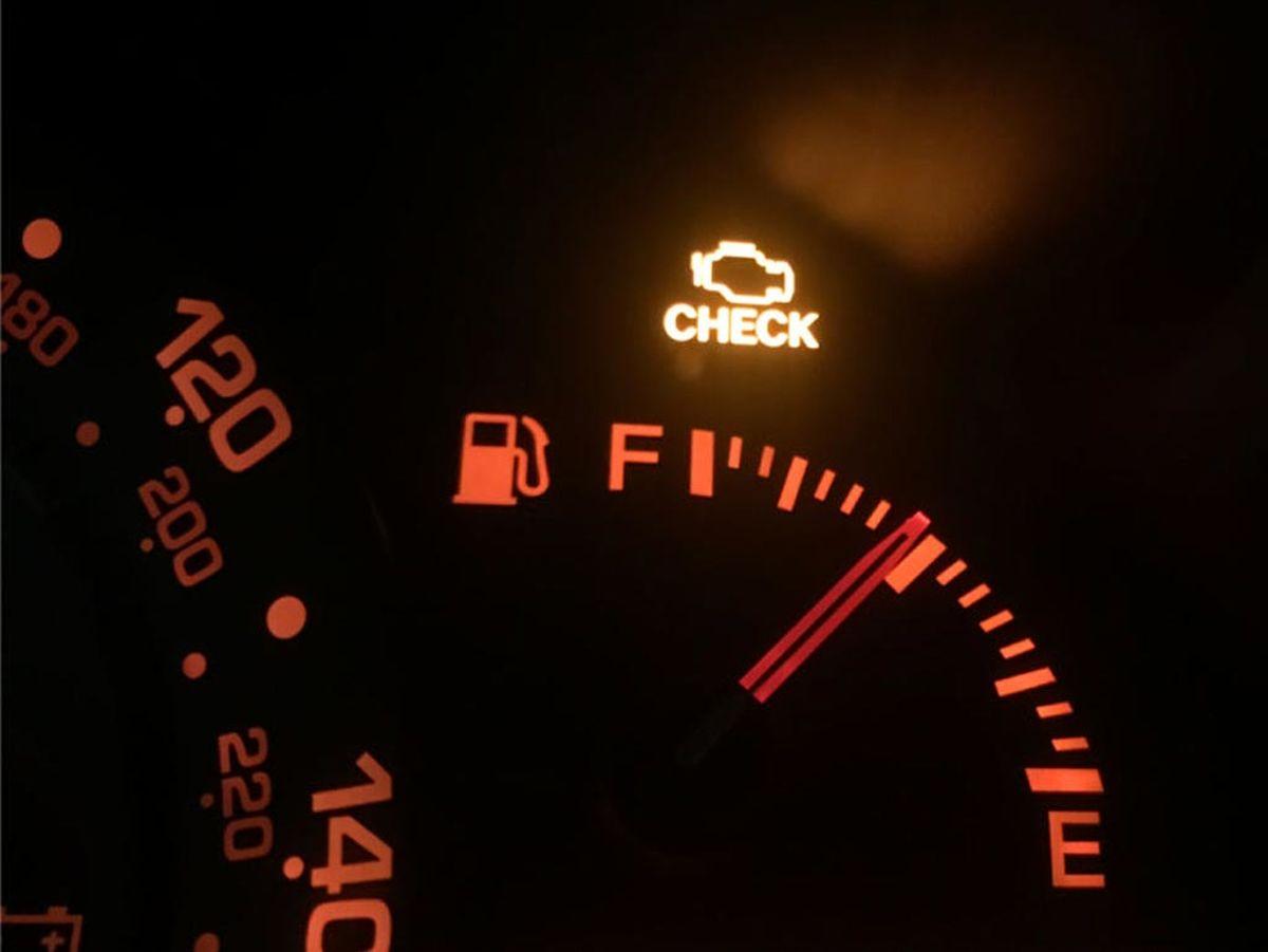 چرا چراغ چک خودرو روشن میشود؟