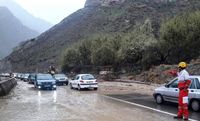 جاده چالوس بارانی است
