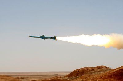 حمله موشکی به پایگاه ملک سلمان