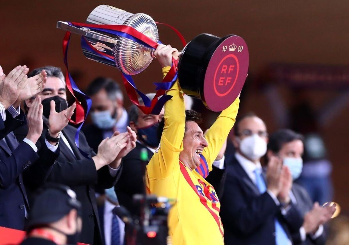 مسی در بارسلونا میماند؟