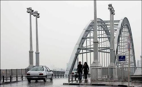 بارش باران و آبگرفتی معابر در اهواز + عکس