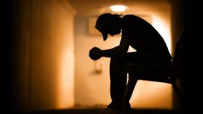 چرا مردان در برابر مشکلات بیشتر سکوت میکنند؟