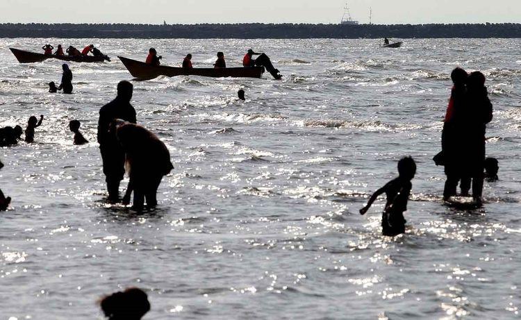 مسافران تابستانی در سواحل شمال