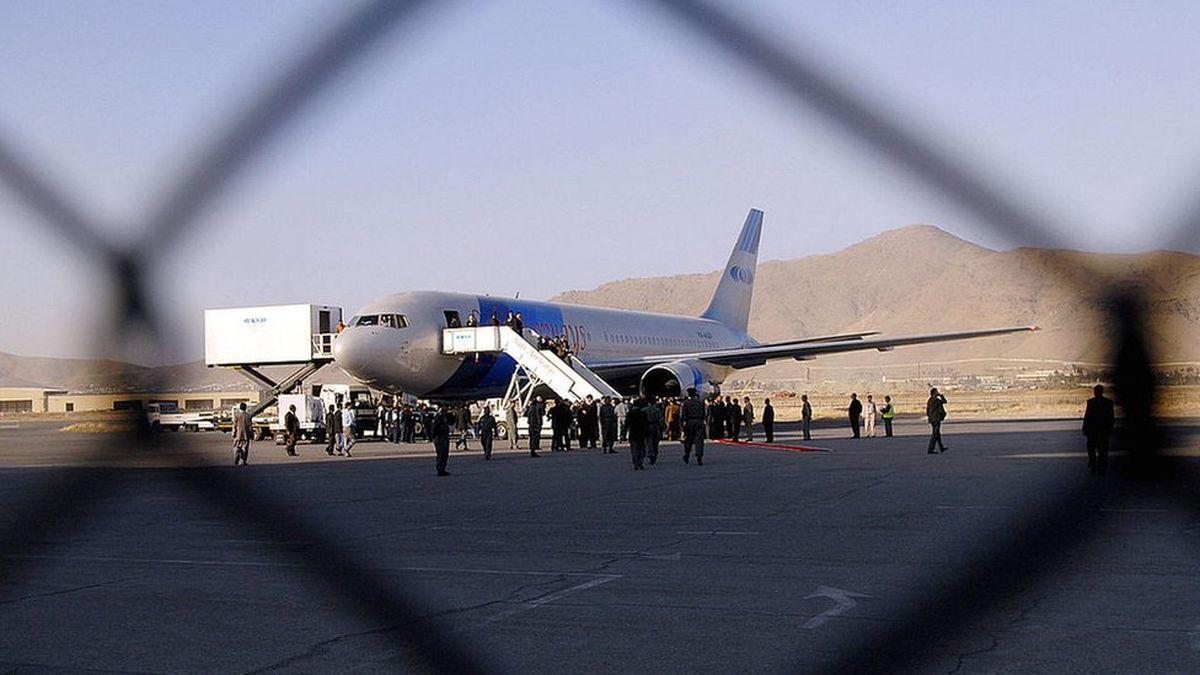 پذیرش هواپیماهای شرکت کام ایرِ افغانستان توسط ایران