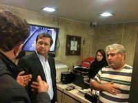 بازدید سرزده رییس بانک مرکزی از صرافیها/  نرخ ارز در همه تابلوها یکی شد!