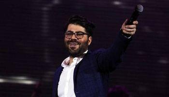 رقص دیدنی جواد رضویان در اجرای حامد همایون! +فیلم