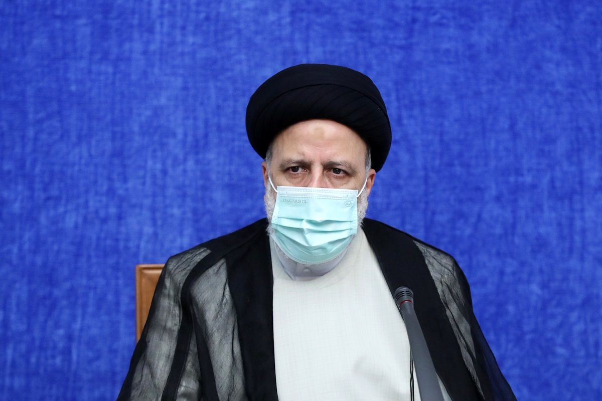 دولت نسبت به همه مردم کشور وظیفه دارد / انشالله در این سفر بتوانیم بخشی از مشکلات استان خوزستان را برطرف کنیم