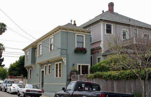 خانههایی که برای لجبازی با همسایهها ساخته شدند! +عکس