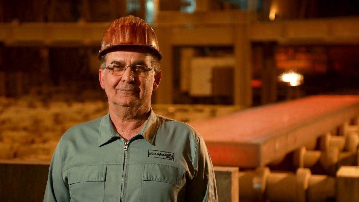 عملکرد کارکنان فولاد هرمزگان مایه مباهات است