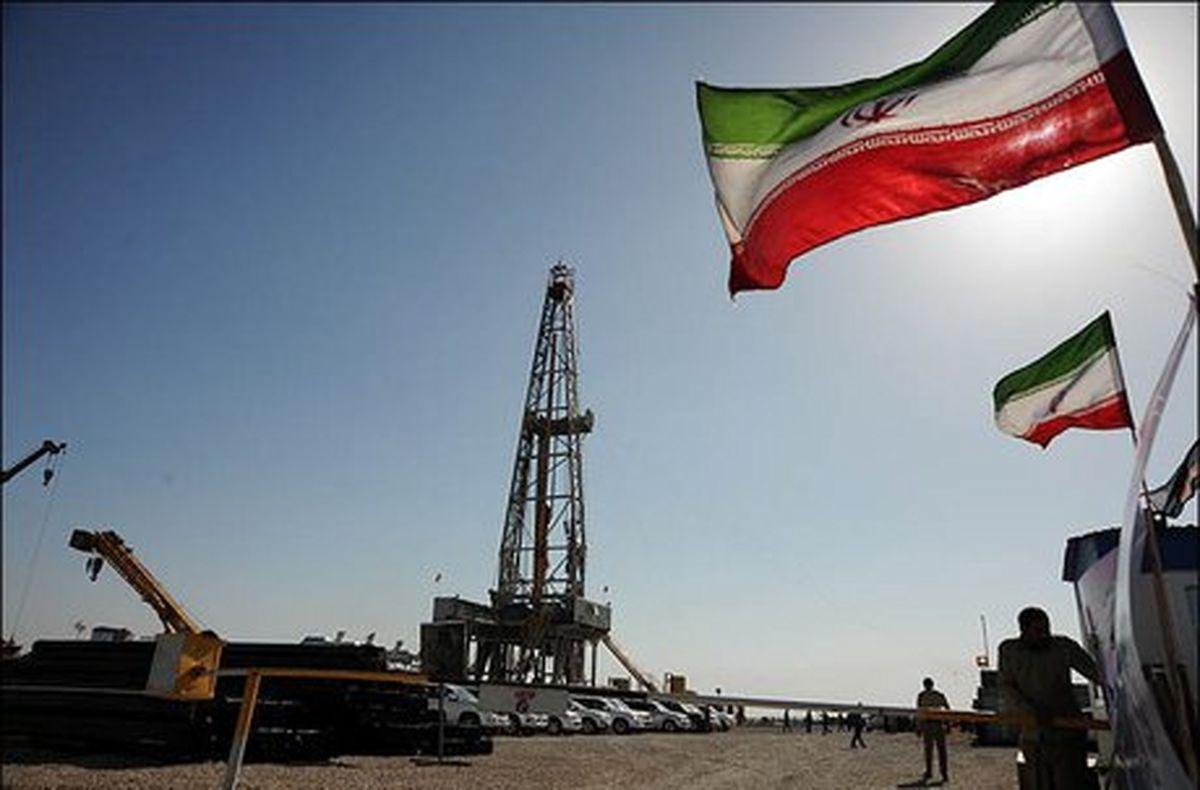 تناقص گویی مقامات آمریکایی در تحریم نفت ایران/ ایالات متحده از واکنش جهانی میترسد