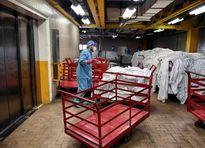 کارگران نامرئی در رختشویخانه بیماران کرونایی +عکس