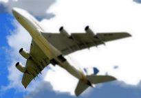 پروازهای عبوری از آسمان کشور کم شد