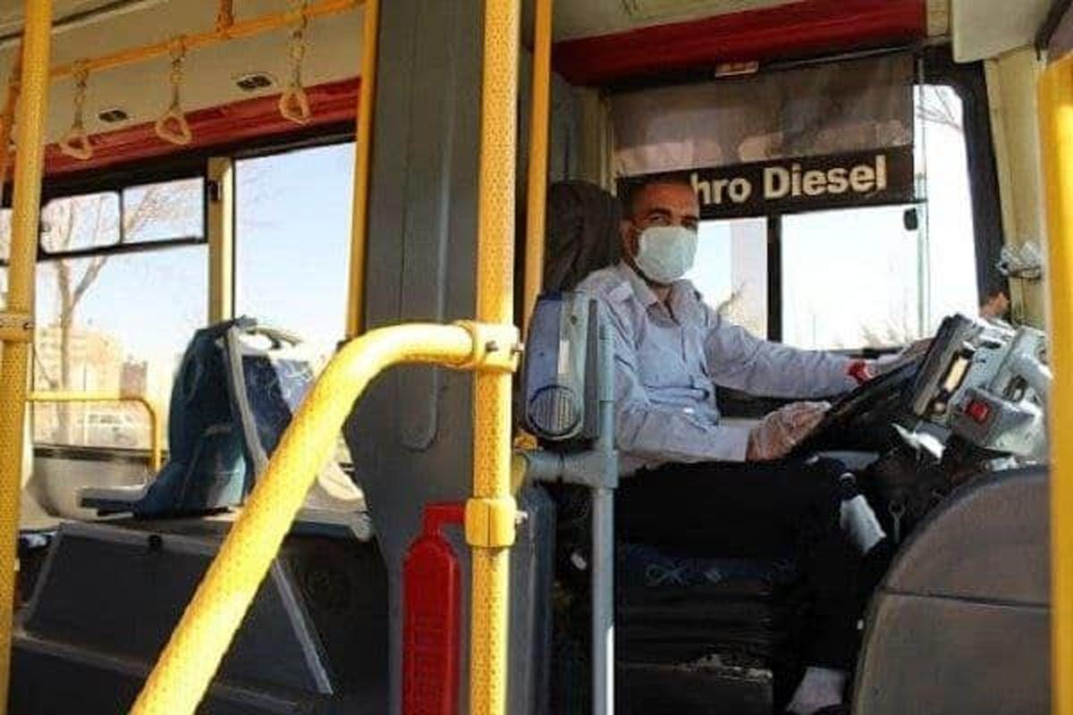 تزریق واکسن برای رانندگان اتوبوس و تاکسی در اولویت باشد