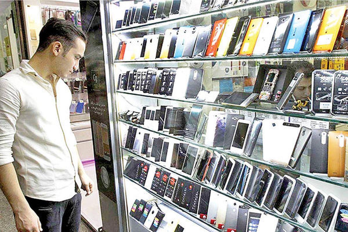 سه علت تلاطم در بازار موبایل
