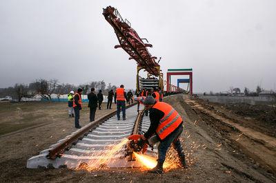 آغاز عملیات آخرین پل راهآهن قزوین ـ رشت