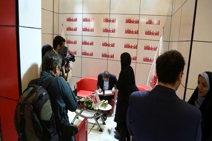 حال و هوای غرفه اقتصادآنلاین در سومین روز نمایشگاه مطبوعات۹۶ +تصاویر
