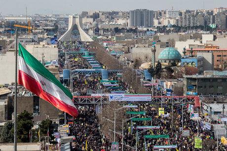 راهپیمایی 22بهمن در اکثر نقاط کشور آغاز شده است