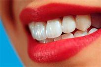 یک راه طبیعی برای سفید کردن دندانها