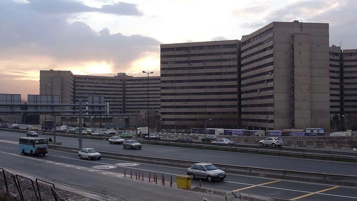 مقایسه میانگین قیمت خرید آپارتمان در اکباتان با محله فرحزاد