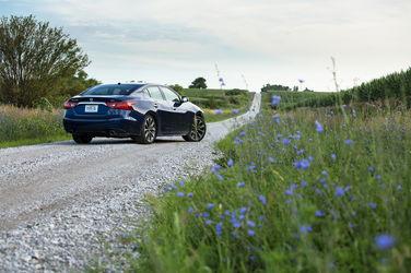 -Nissan-Maxima-SR
