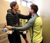 وقتی مسی امضا گرفت! +تصاویر