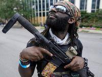 قدرتنمایی سیاهپوستان مسلح در آمریکا +عکس