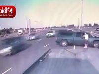 درهم کوبیده شدن دو خودرو در تورنتو +فیلم