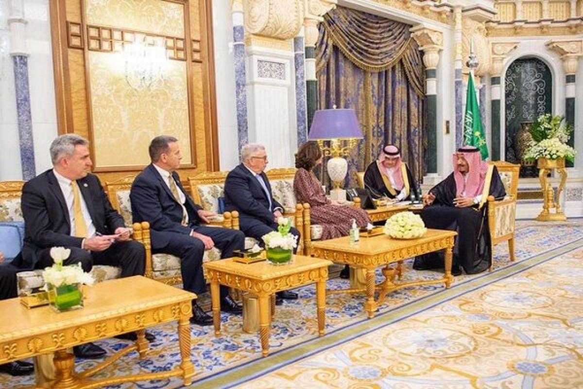 شاه عربستان و رئیس سازمان جاسوسی آمریکا با هم دیدار کردند