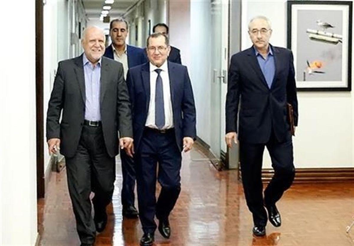 ایران از توافق کاهش تولید نفت حمایت میکند