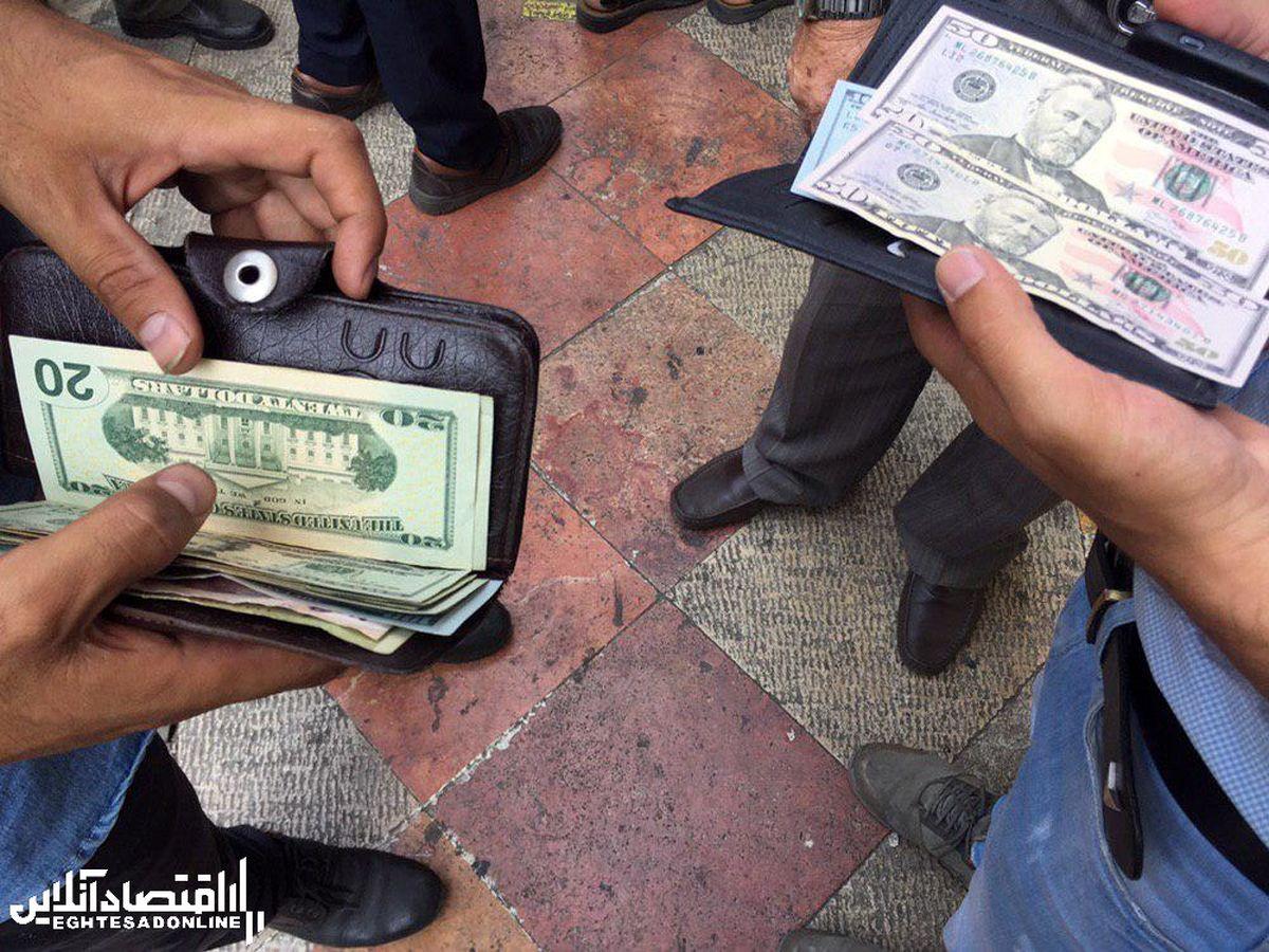 آنچه بر بازار ارز گذشت/ دلار ارزان مىشود؟