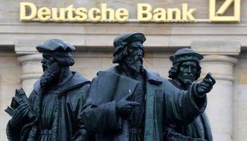 رتبه اعتباری دویچه بانک تنزل پیدا کرد