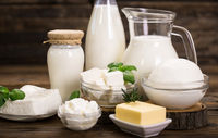 از نشانههای نیاز به حذف لبنیات از رژیم غذایی