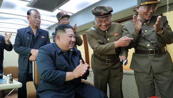 کیم جونگ اون؛ ناظر آزمایشهای موشکی کره +فیلم