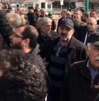 اعتراض کارمندان اتحادیه اتومبیل کرایه تهران به پلتفرمهای اسنپ و تپ۳۰ در برابر مجلس +فیلم