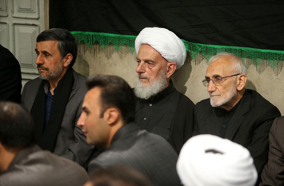 احمدی نژاد در مراسم عزای حسینی +عکس