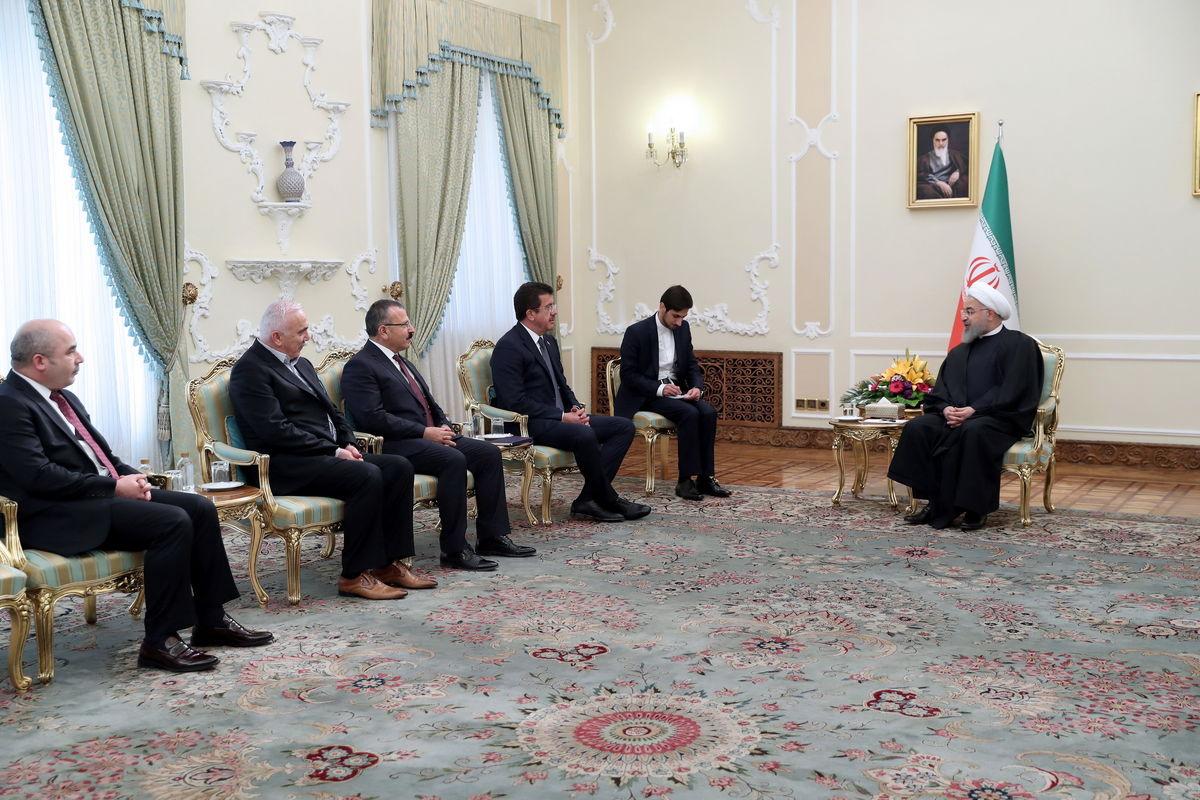 توسعه همکاریهای منطقهای ایران و ترکیه ضروری است/ تاکید بر تقویت و توسعه مناسبات بانکی با ترکیه